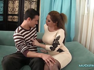 Sexy Cougar Has the Perfect Sexy Underwear