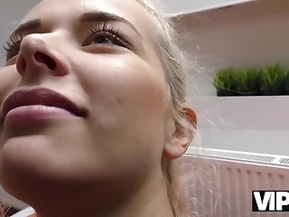 VIP4k. Blonde stops fighting with BF because stranger gives money