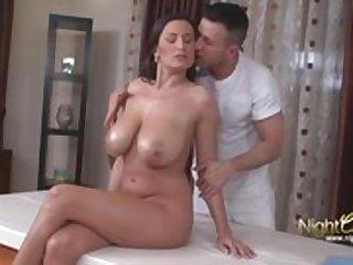 Big Tits Mature fucked during massage