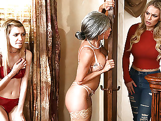 Stepmom Finds The Way To Her Ex StepDaughter