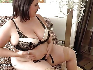 Busty big ass Sarah has an older woman encounter