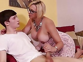 Hot stepmom gets anal fucked by her sons best friend