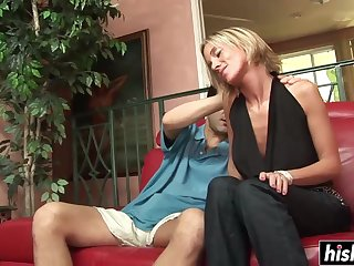 Fat dick makes a hot babe happy