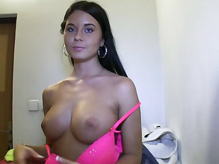 Model Agata gains cash and gets fucked