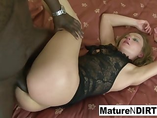 Blondie mature gets bi-racial assfuck a facial cumshot