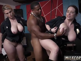Milky milf Raw movie captures cop smashing a deadbeat dad