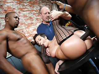 Interracial Threesome with Jada Stevens - Cuckold Sessions
