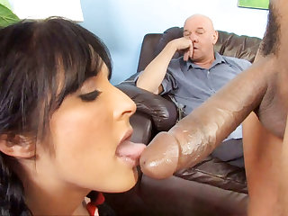 sexy Has To Watch Her Daughter Chelsie Rae Fucks A BBC