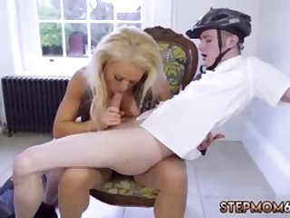 Teen babe sex Having Her Way With A Rookie